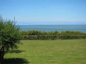 Parc de la résidence - vue sur la mer